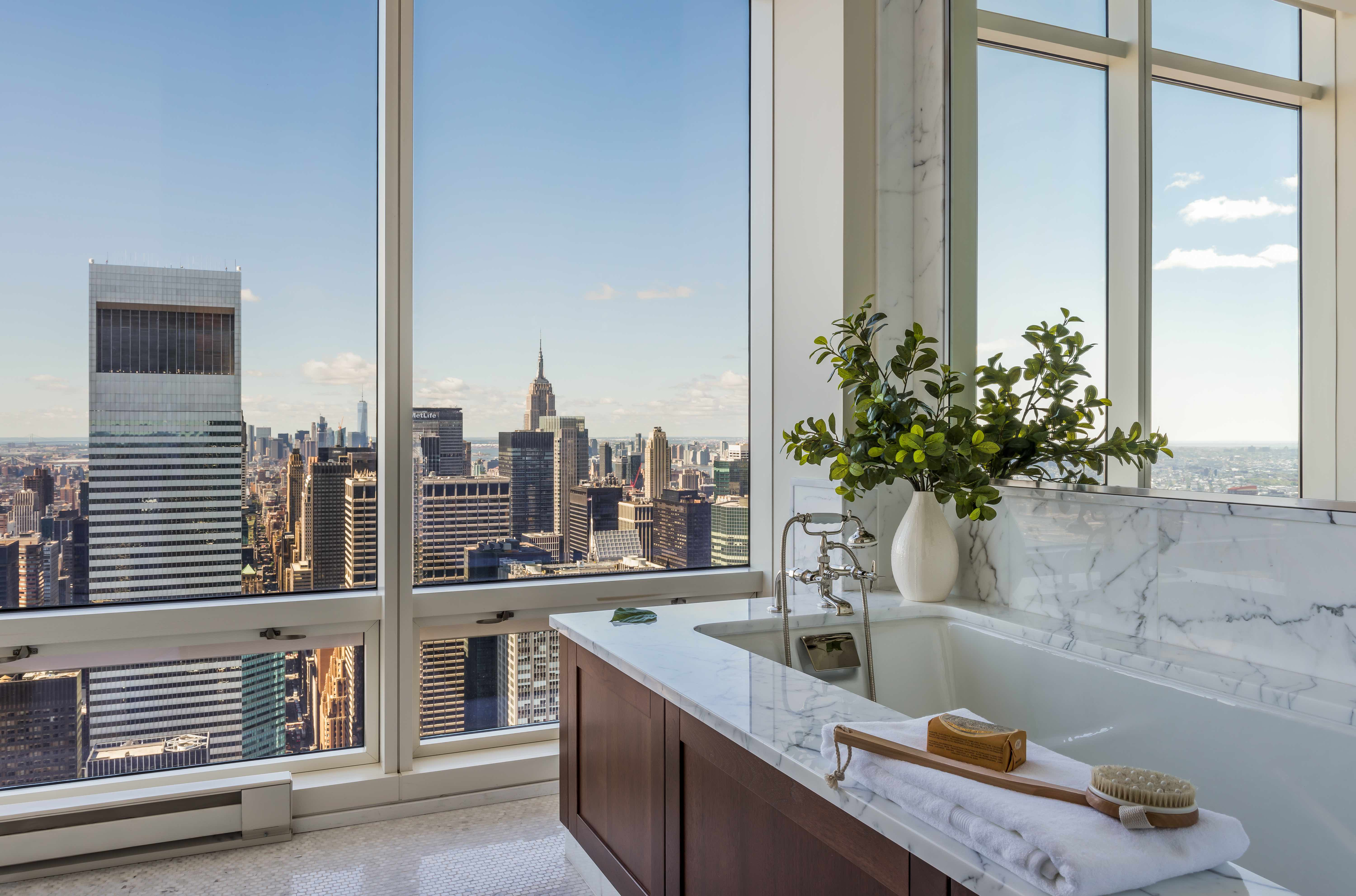 New York bathrooms with a view