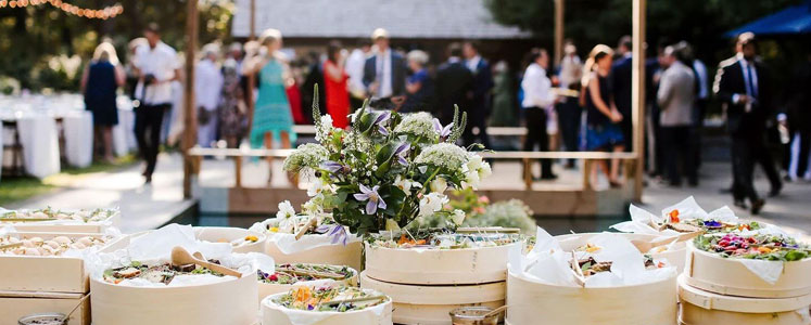How to Host Summer Party